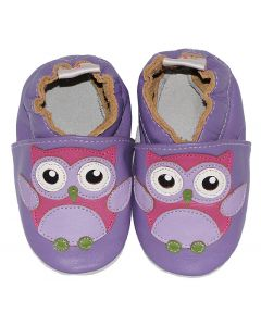 Purple leather babyshoes with an owl